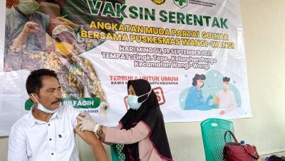 Gelar Vaksinasi Masal AMPG Kabupaten Wakatobi Gandeng Petugas Puskesmas
