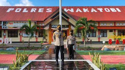 Polres Wakatobi Gelar Operasi Anoa 2021 Sembari Bagikan Sembako Kepada Masyarakat